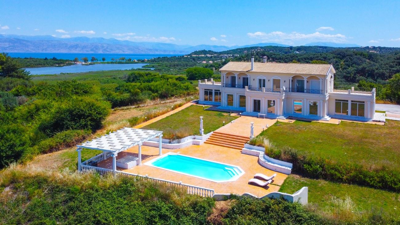 Дом в греции у моря недорого купить квартиру за рубежом для сдачи в аренду