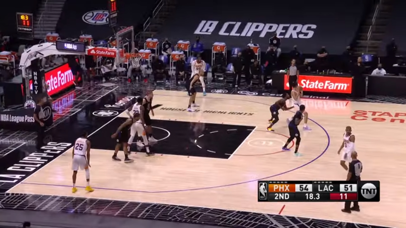 George scores 33 points, Clippers snap Suns' winning streak