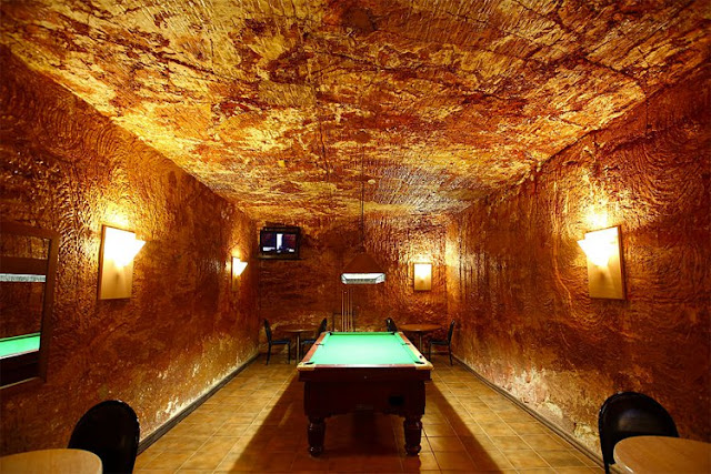 Opal capital of the world living room