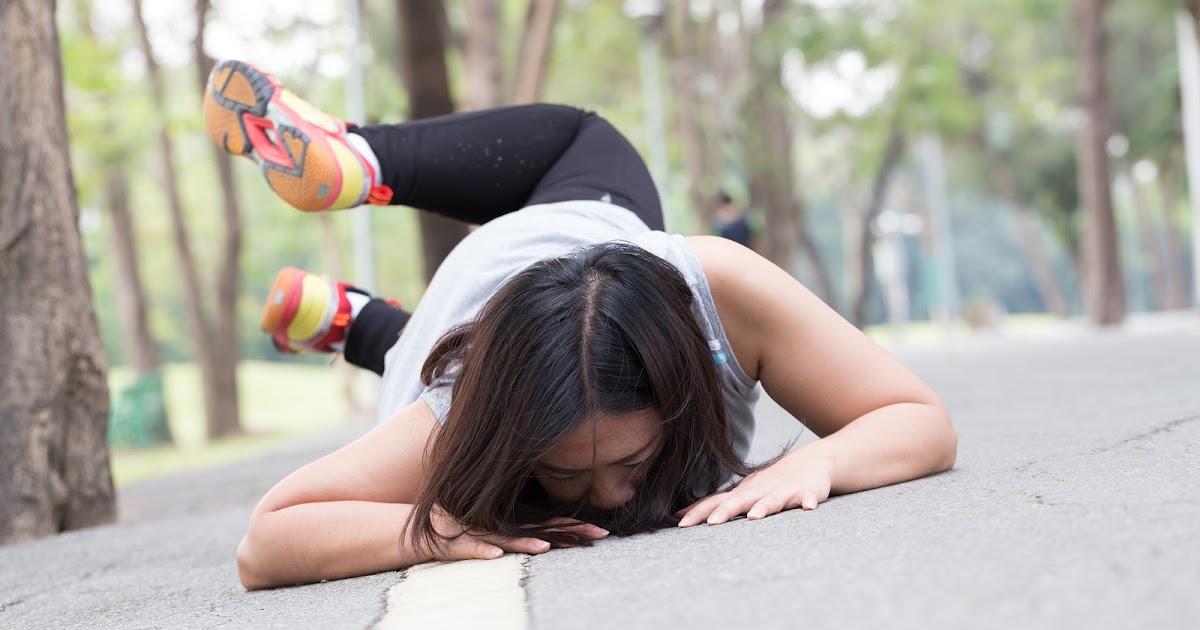 4 pasos a seguir cuando te resbalas y caes en un lugar público 46