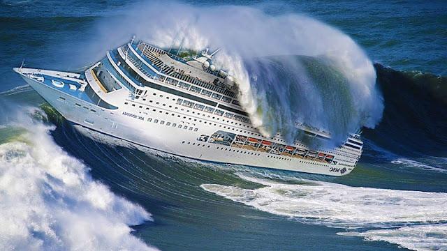 Круизен кораб в буря: Това, което се случва вътре, не е за разправяне