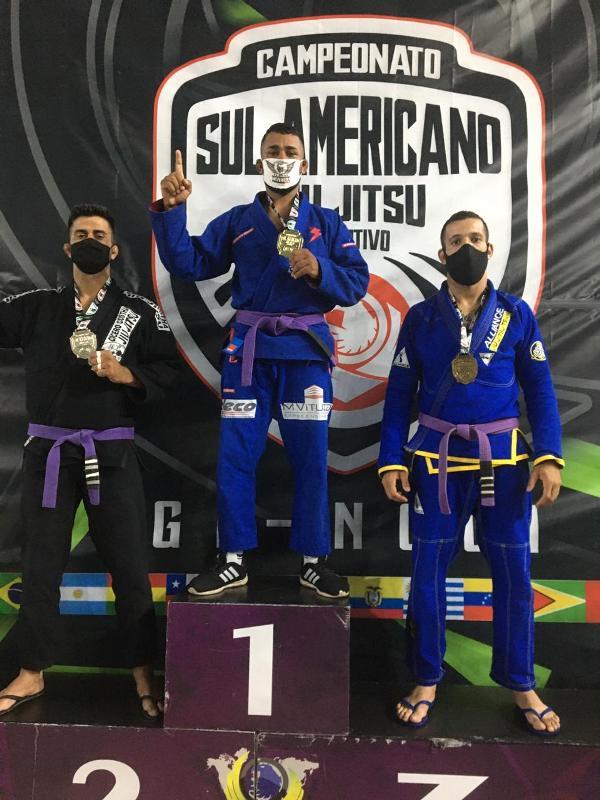 Atletas da Academia Cícero Costha  conquistam Medalhas no Sul americano de Jiu Jitsu Esportivo