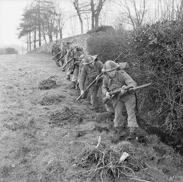 British troops on maneuvers in Northern Ireland, 5 February 1942 worldwartwo.filminspector.com