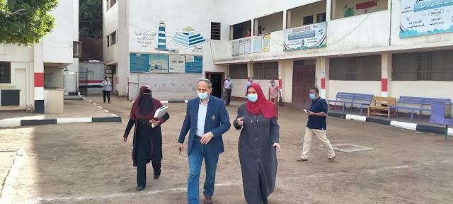عبدالله يتابع انضباط العملية التعليمية بمدرسة عبدالرحمن البشيهي الثانوية للبنات بشرق الفيوم