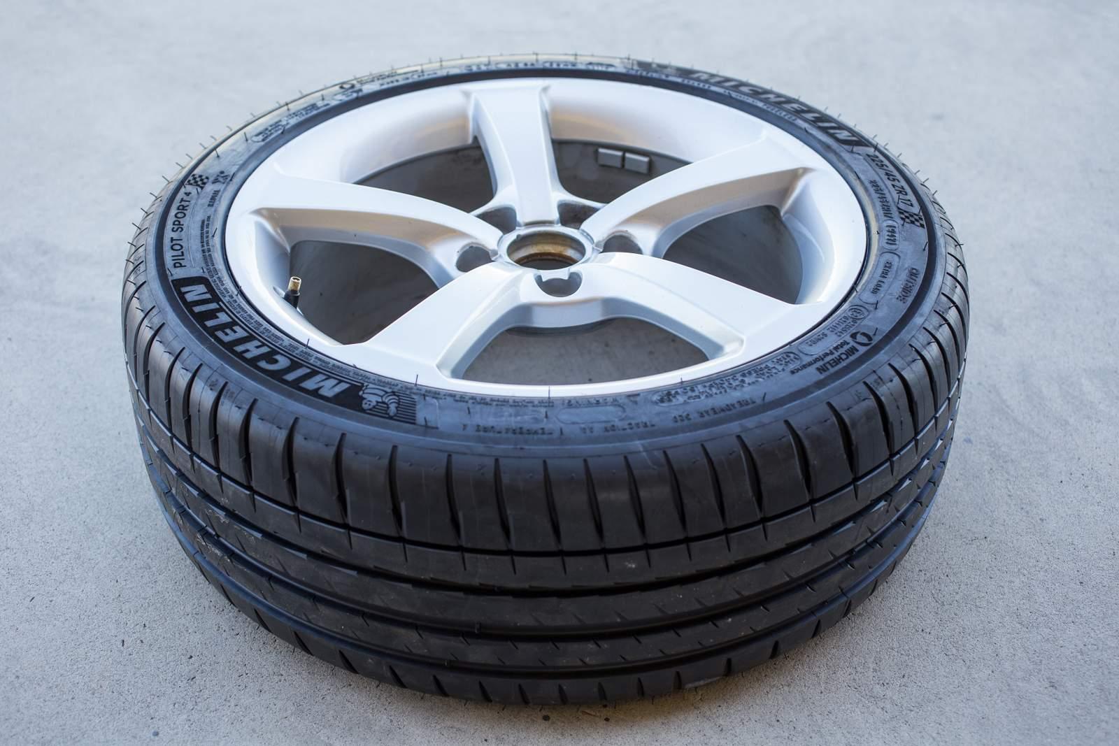 audi a3 sedan testa o novo pneu michelin pilot sport 4 car blog br. Black Bedroom Furniture Sets. Home Design Ideas