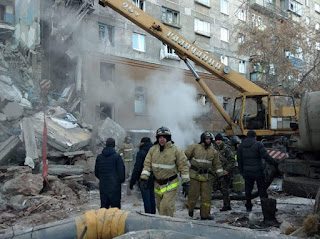 3 dead, 79 missing after gas explosion rocks Russia high-rise