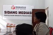 Pose Jari Ala Capres 2 Petugas Pengawas TPS di Makassar Dipecat Bawaslu