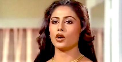 Dushman Na Kare Lyrics in Hindi, Amit Kumar, Lata Mangeshkar, Aakhir Kyon 1985