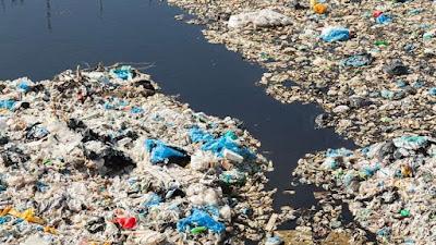 Seberapa Efektifkah Kebijakan Sampah Plastik Berbayar?