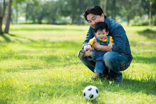 Làm sao để được trẻ con yêu quý mình