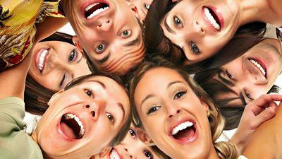 Tips Murah Menjaga Kesehatan dengan Tertawa