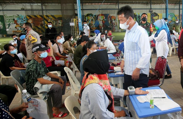 Anggota DPRD Provinsi Kepri Onward Siahaan Apresiasi Capaian Vaksinasi di Batam