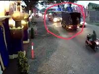 Bus Mira Ugal-ugalan Itu Berhenti Setellah Dikejar-kejar Oleh Truk Polisi
