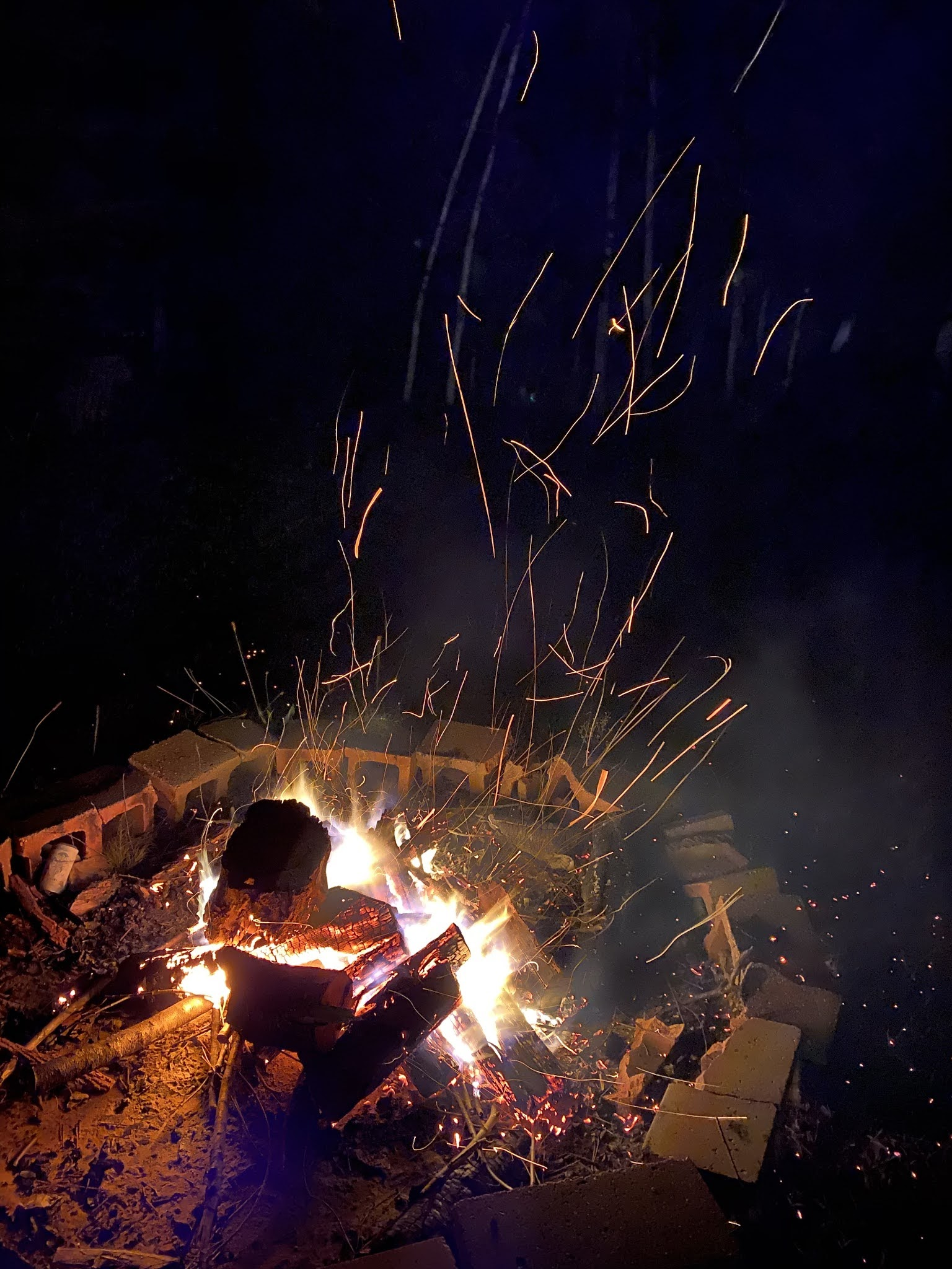 Summertime Campfire | biblio-style.com