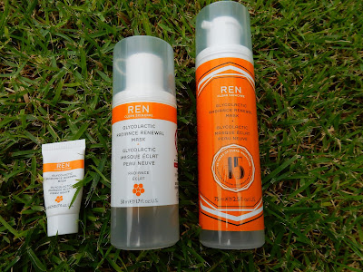REN Clean Skincare Glycolactic Renewal Mask - www.modenmakeup.com