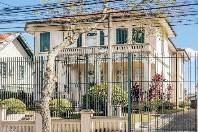 Casa na Rua Des. Ermelino de Leão 465