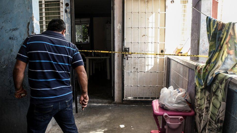 A patadas abrieron la casa de Brayan en Culiacán para después matarlo