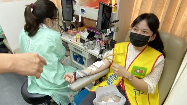 救國團青年節愛心月 議員率青年學子挽袖捐血