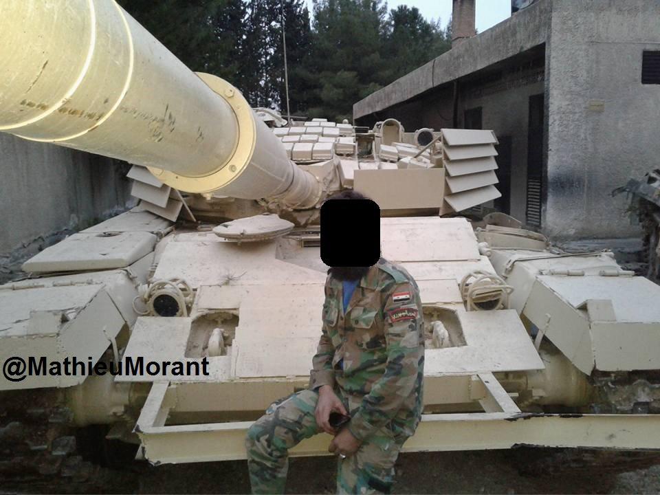 المزيد من الحيل السورية لحماية دبابات النظام !! C7njJOMWkAAmL3B