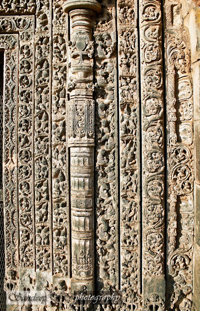full view of the right part of the south door jamb, here you can imagine how intricate and small the sculptures are