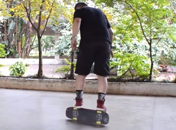 Most skateboard rail flip to rail in one minute – Guinness World Records