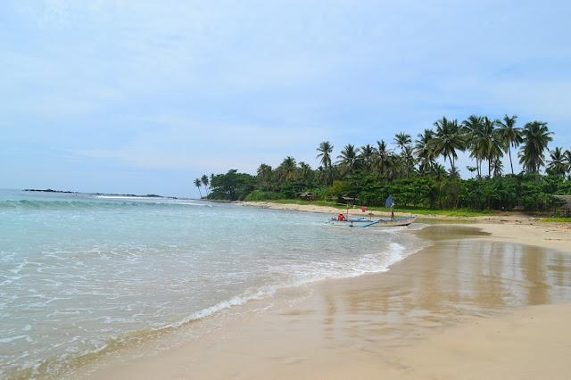 Pantai Legon Pari, Sawarna