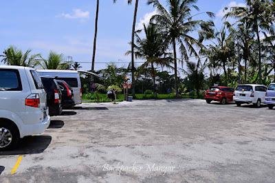 Area parkir Air Terjun Tibumana