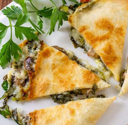 BAKED SPINACH MUSHROOM QUESADILLAS #vegetarian #quesadillarecipe