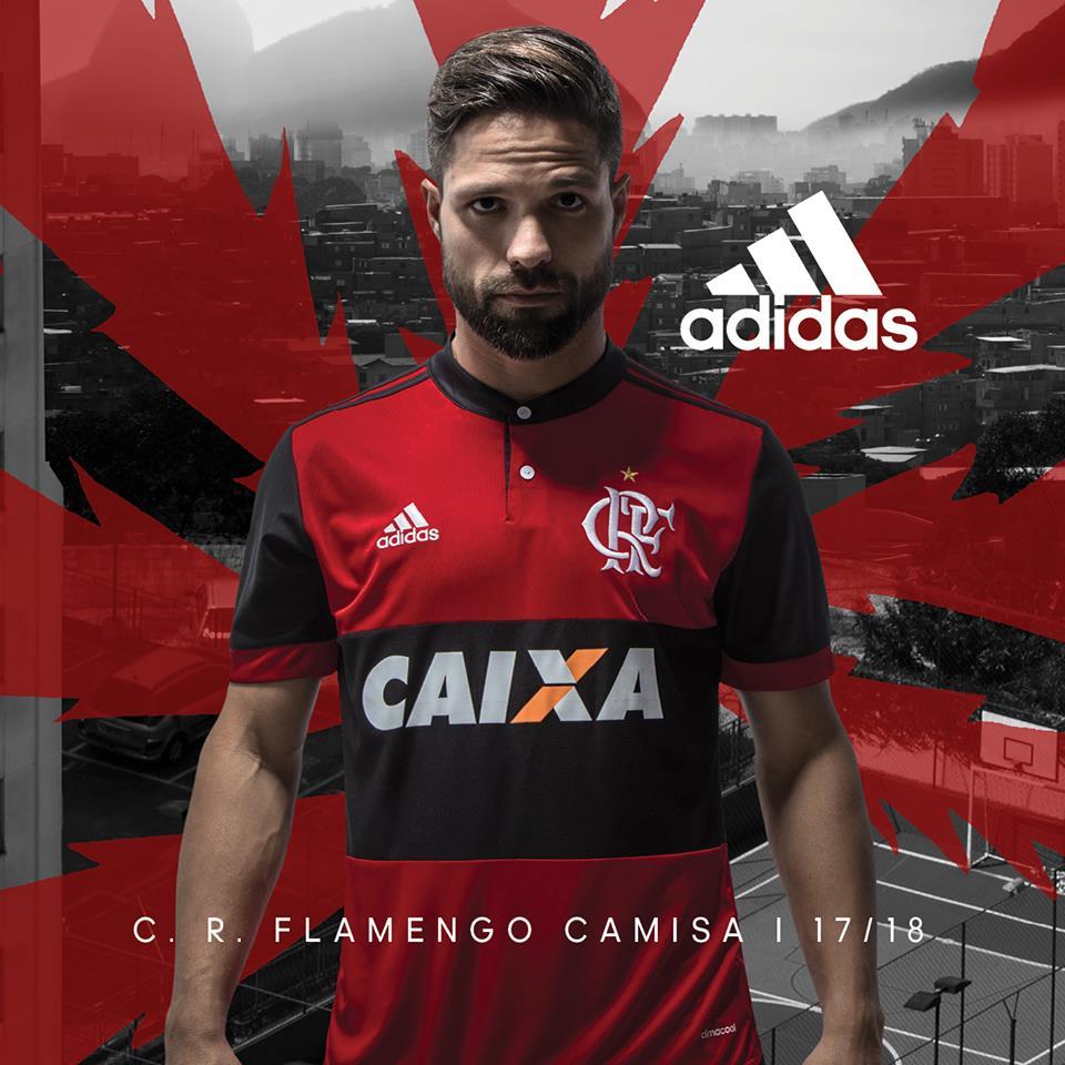 Flamengo e Adidas lanciano la nuova maglia per la stagione 2017 2018 video  adidas 8fc8fe747fcf1
