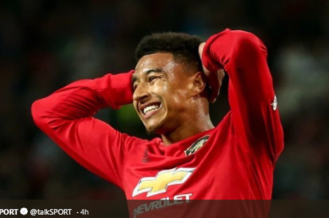 Declining performance at Man United, Jesse Lingard is offered to AC Milan