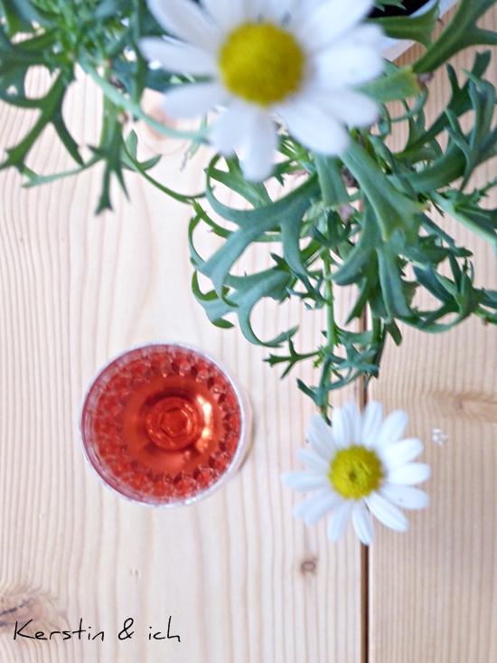 Glas Rose mit Margeriten