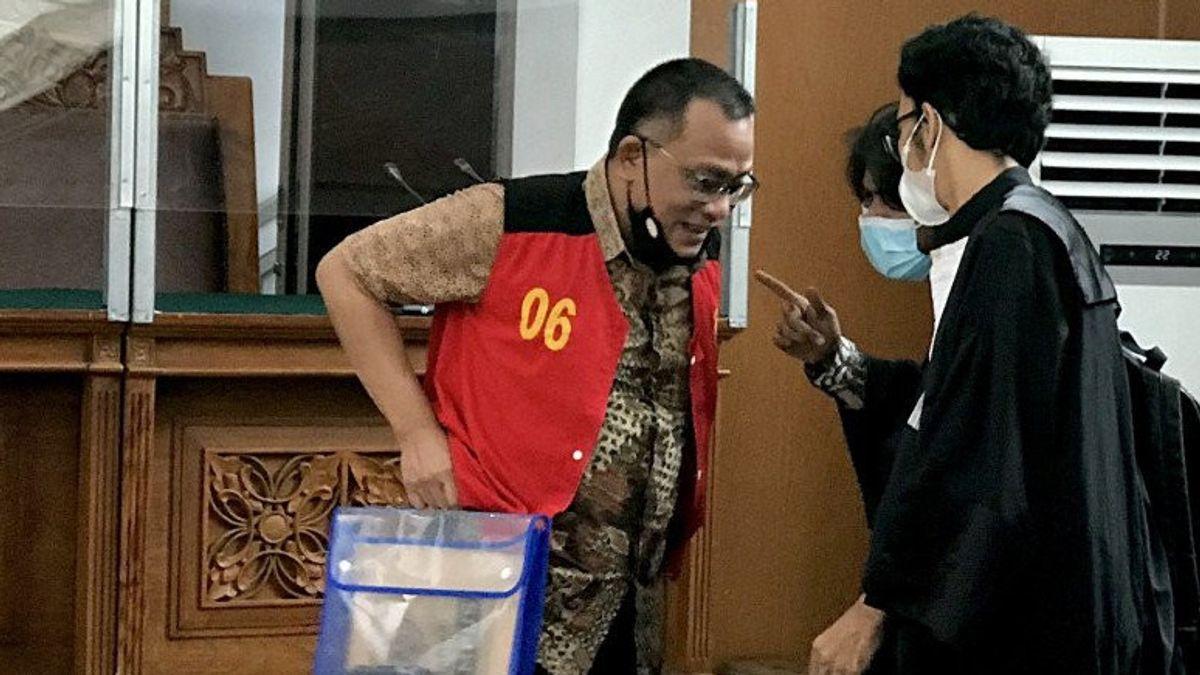 Hakimnya 'Ngilang', Petinggi KAMI Jumhur Hidayat Gagal Disidang Lagi