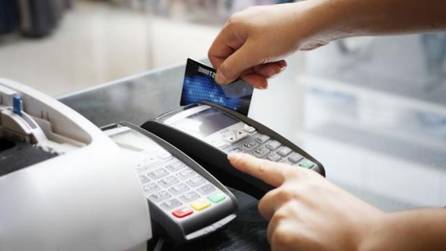 Ανήλικος στο Ναύπλιο έκλεψε τραπεζικές κάρτες και τς έδωσε σε συγγενείς του για ψώνια