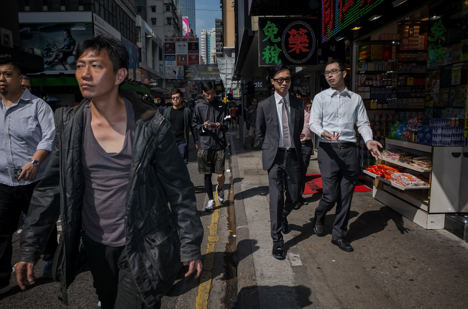 bigheadtaco com: Non-Review: The Ricoh GR II in Hong Kong