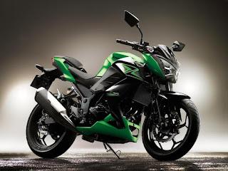 Kawasaki-z300-lateral
