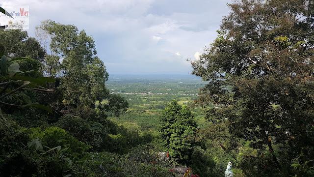 Tham quan Lâm Sơn Tự trên Núi Chứa Chan