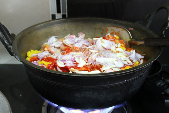 Rendang Pedas Ayam dan Pulut Kuning