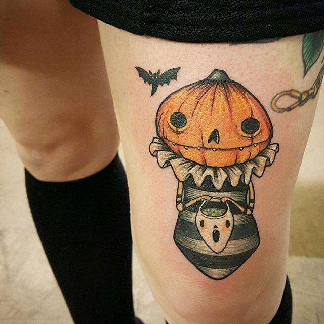 Tatuaje de Calabaza en la pierna