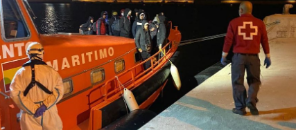 Llegan dos nuevas pateras con 15 personas migrantes a Torrevieja y Benidorm