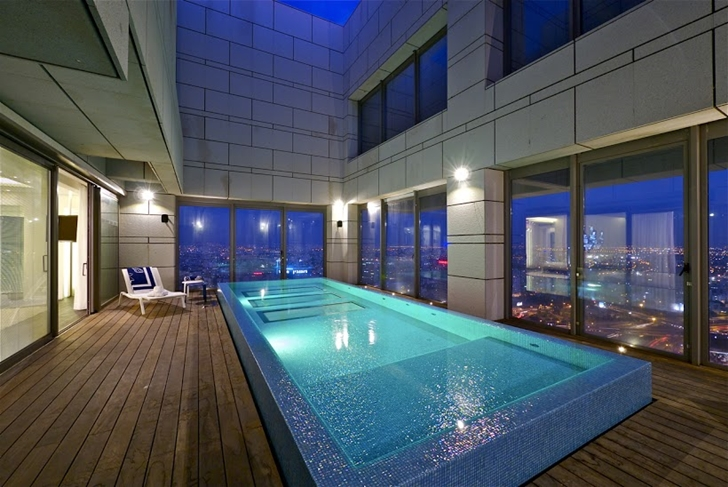 Penthouse swimming pool