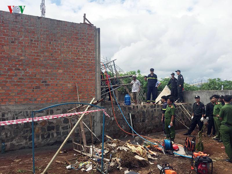 Gia Lai: Sập giàn giáo, chủ thầu tử vong dưới lớp bê tông, 1 công nhân nguy kịch