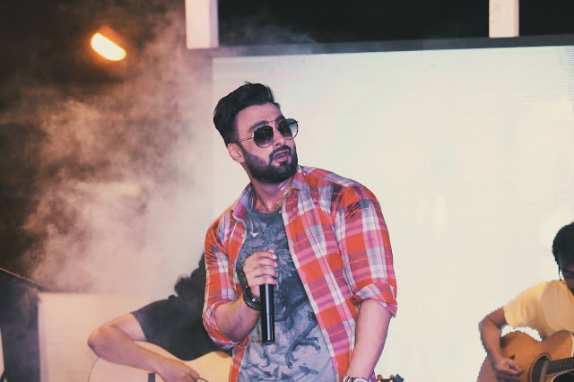 Umair Jaswal is a Pakistani singer, actor, and model. Read Umair Jaswal's biography on Musicians of Pakistan.