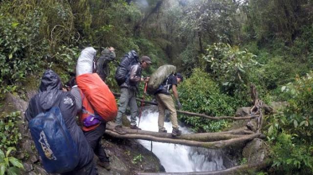Jalur pendakian gunung latimojong sulawesi selatan