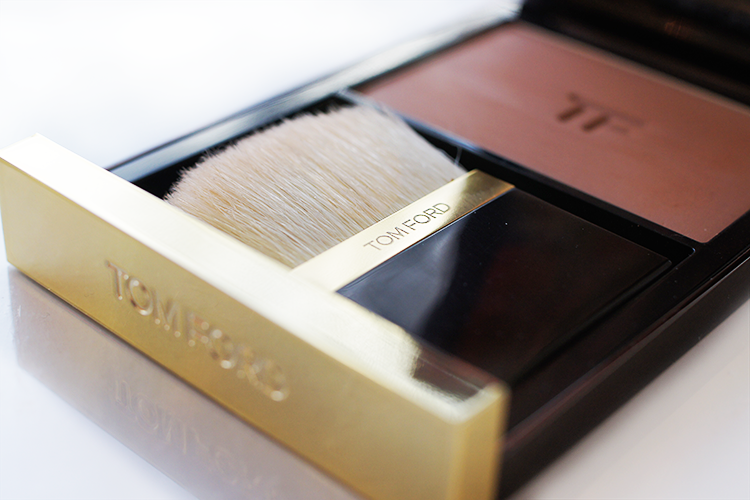 d1b1966c89efb Tom Ford s Translucent Finishing Powder is a beautiful powder. It s silky