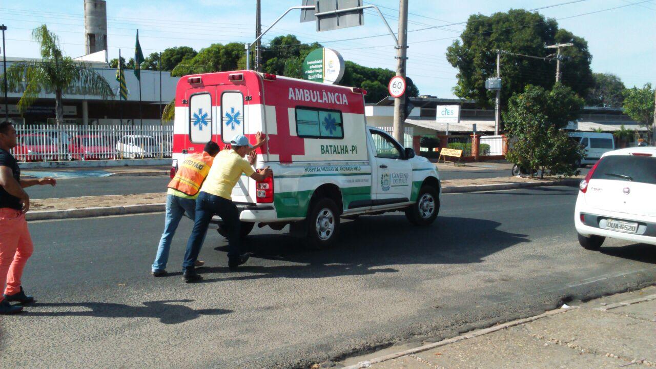 Ambulância do município de Batalha anda na base do empurrão