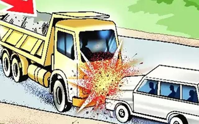 यात्रियों से भरी जीप ट्रक से टकराई, 6 की मौत, 3 घायल