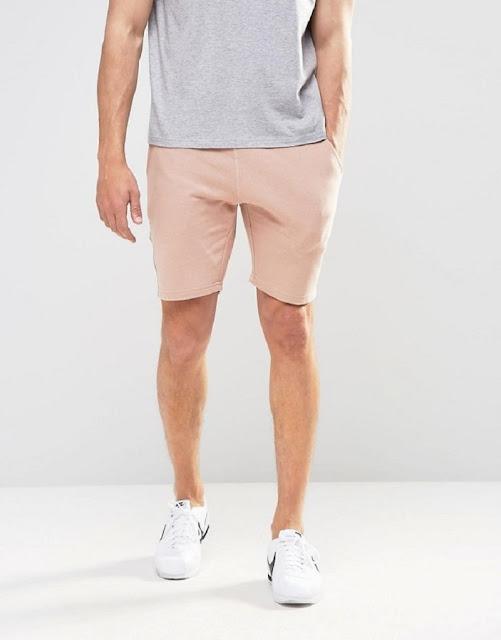 Có thể cân nhắc lựa chọn các mẫu quần short màu sắc