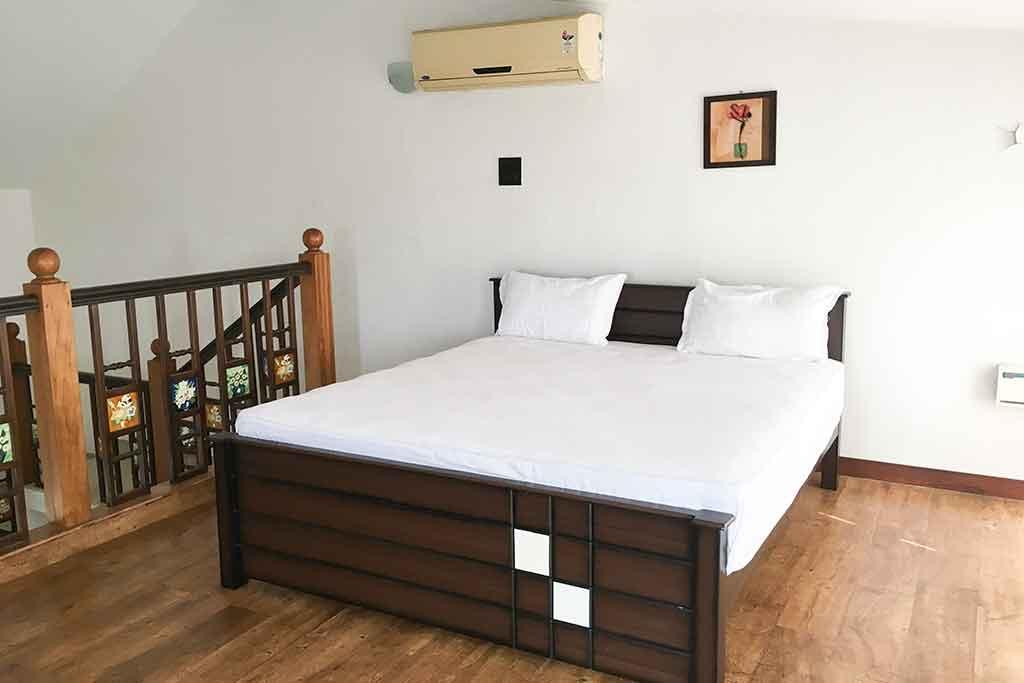 private beach villa in ecr for rent