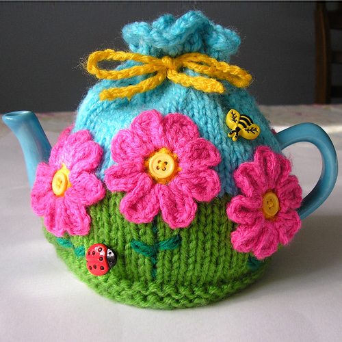 Flower Garden Tea Cosy - Free Pattern