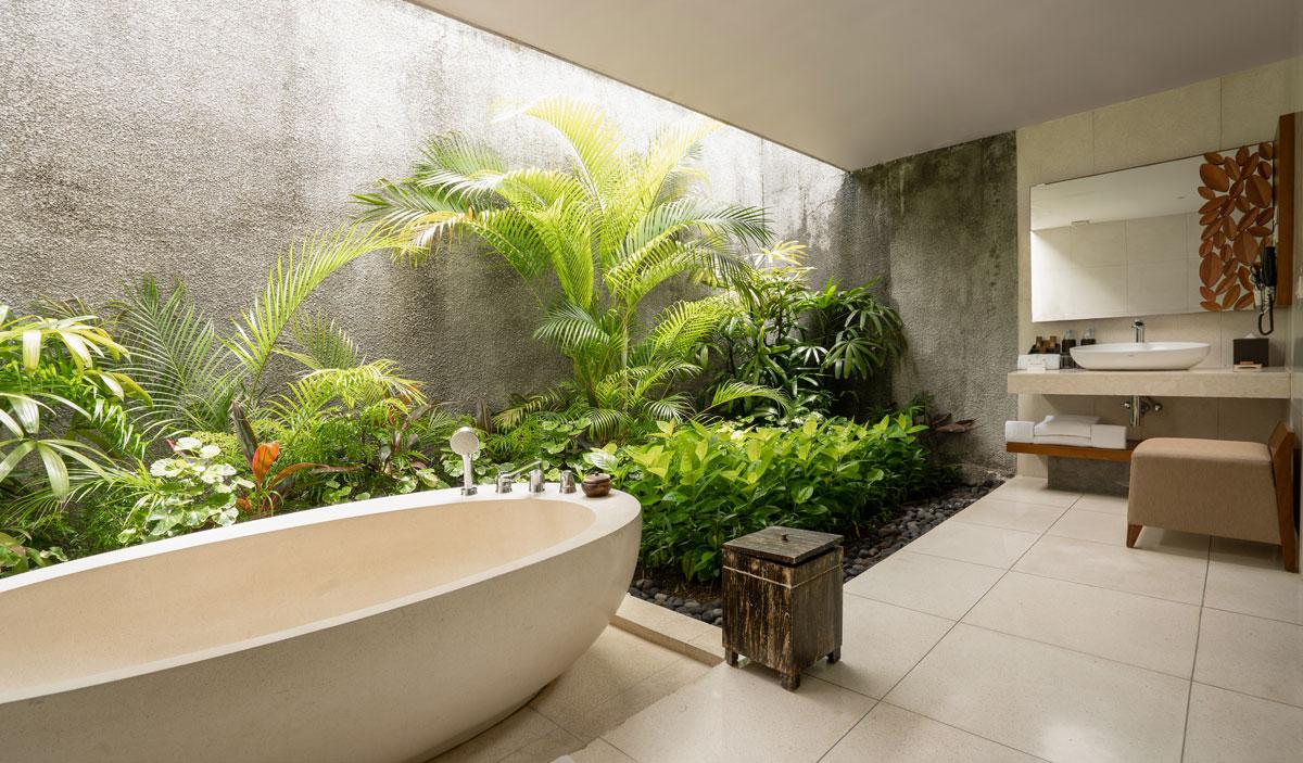 Villa Two Bedroom - Guest bathroom